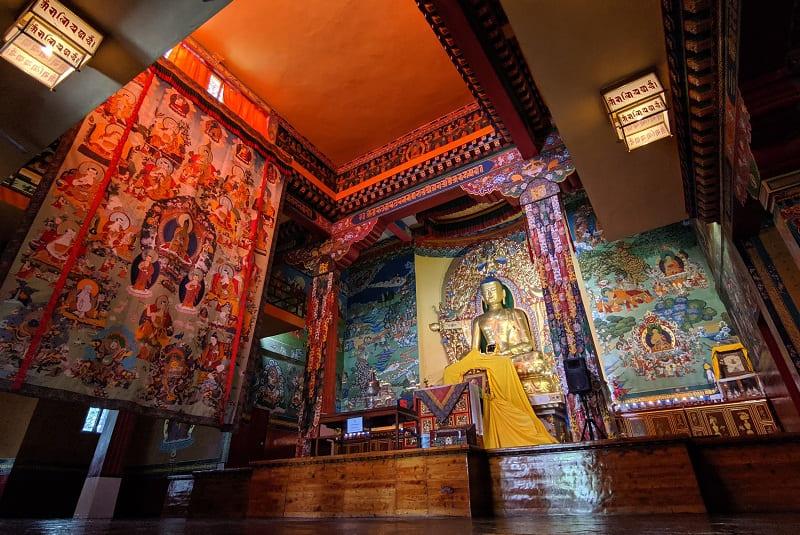 チベット亡命政府があるダラムサラ近郊のノルブリンカ・インスティチュートにあるチベット仏教寺院