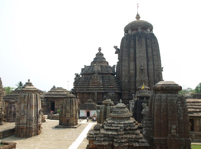 ヒンドゥー教寺院のまちと言われるブバネシュワールにあるリンガラージ寺院。:title