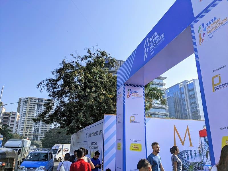 Mumbaiマラソンのビブ受取会場(BKC)の様子①
