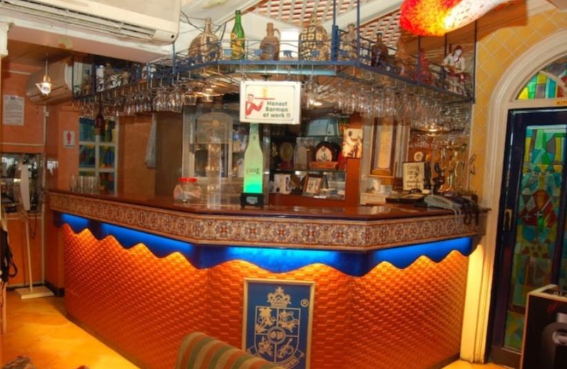 ムンバイのゴアポルトガルレストラン(Goa Portuguesa Restaurant)のバー