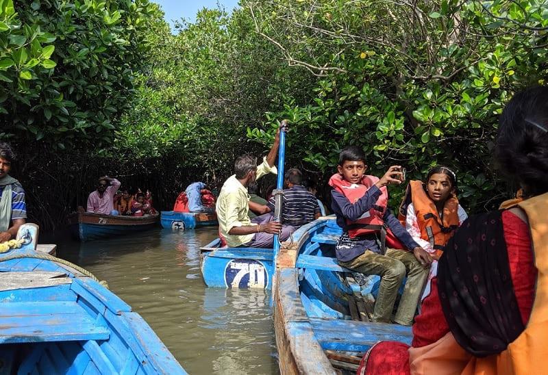 ピチャワラムマングローブ林の写真(ボート渋滞①)