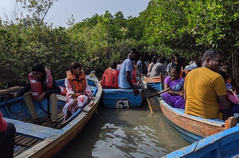 ピチャワラムマングローブ林の写真(ボート渋滞②)