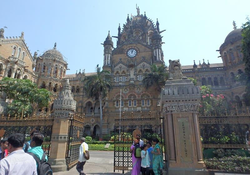 ムンバイにある世界遺産のCSMT駅