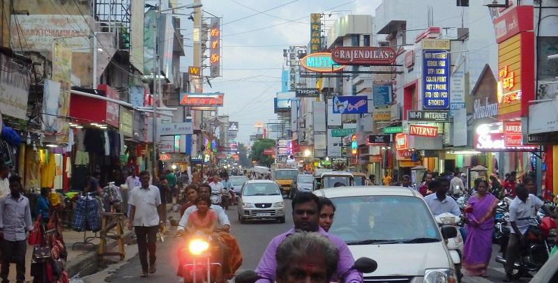 インド間満載のポンディシェリー中心部