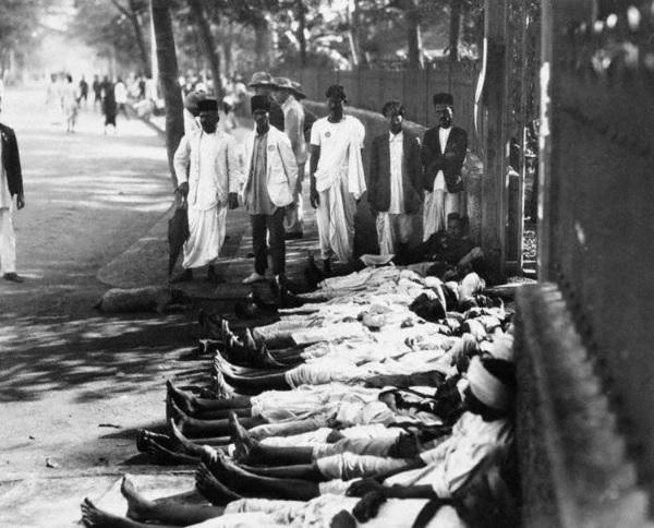 イギリスへの不服従としてストライキするインド人労働者(1930)