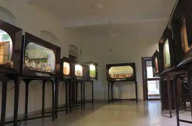 マニバワンのミニチュア展示