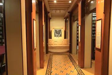 マニバワンの廊下