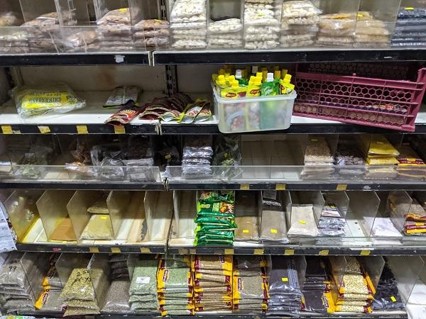 ロックダウン中のスーパーの在庫
