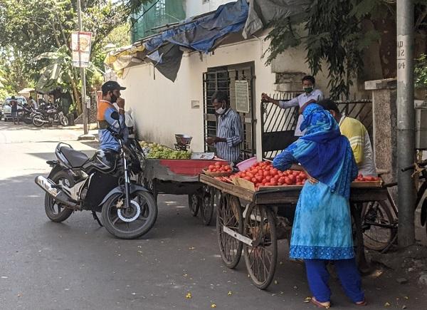 路上の野菜やさん