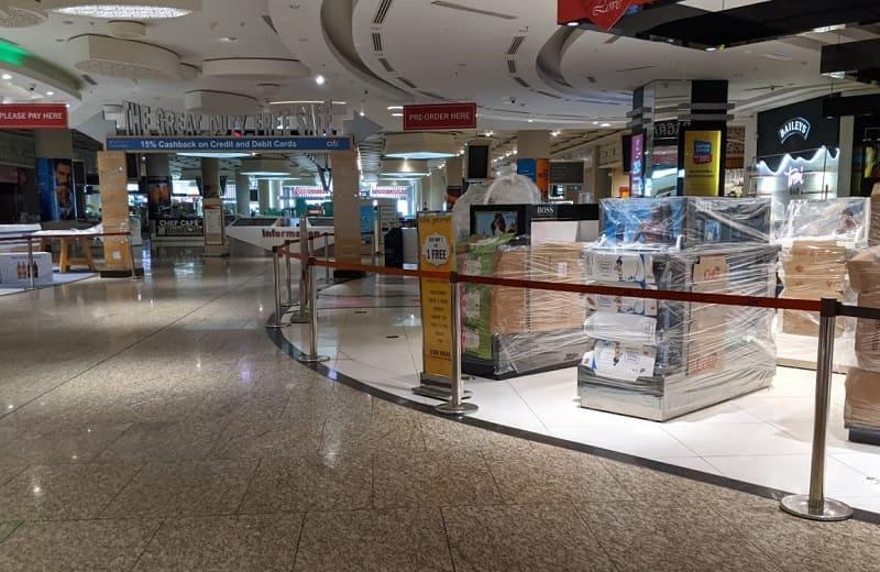 ムンバイ空港内の免税店(閉鎖中)1
