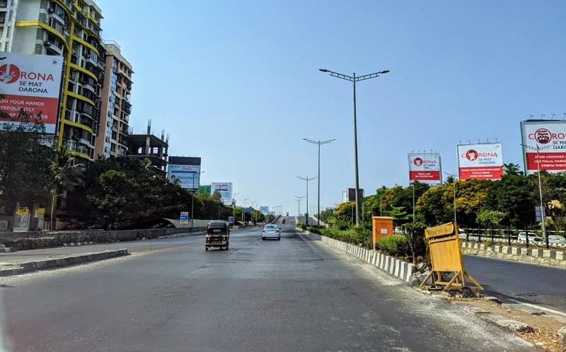 ロックダウン中のムンバイの高速道路の様子