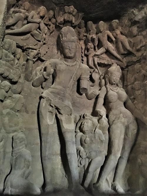 エレファンタ島石窟寺院のガンガーダラ