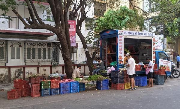 インドの路上の八百屋