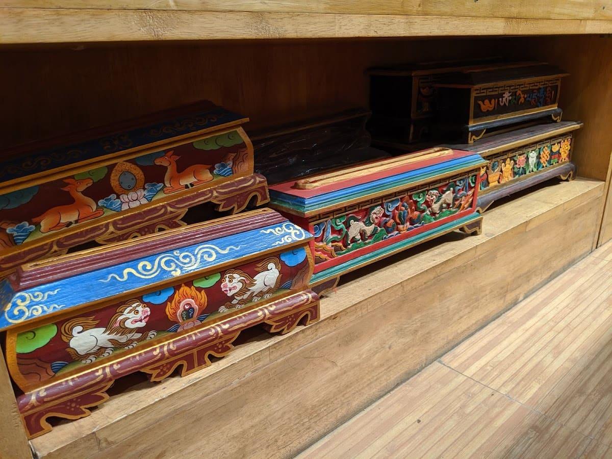 チベットお香をたくための箱