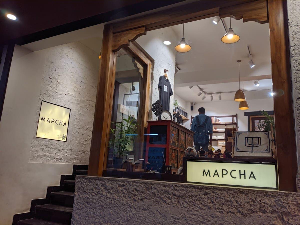 デリーのチベット街にある雑貨屋(MAPCHA)