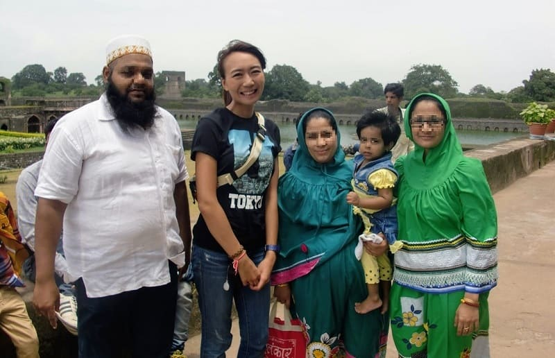 ムスリム家族との記念写真