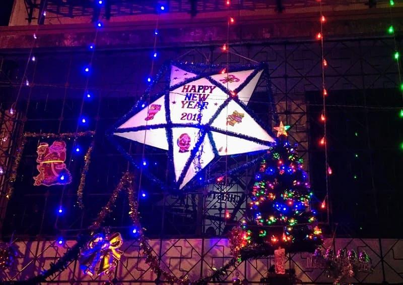 Happy New Yearの星形ライト