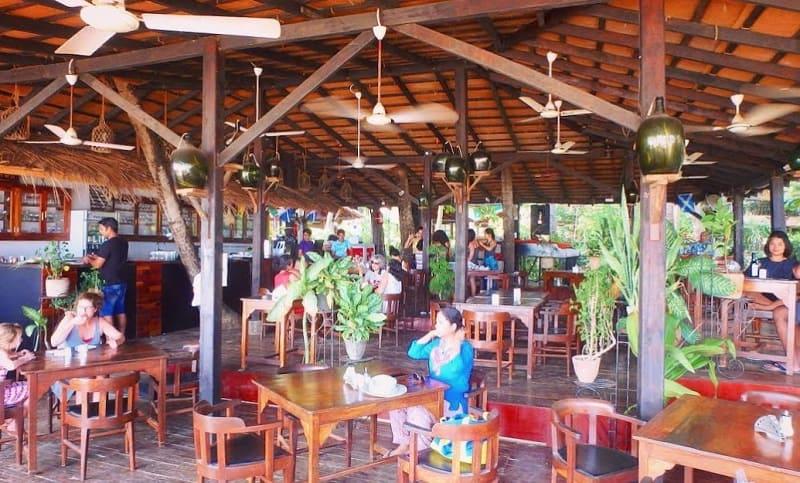 ゴアのパロレムビーチにあるカフェ