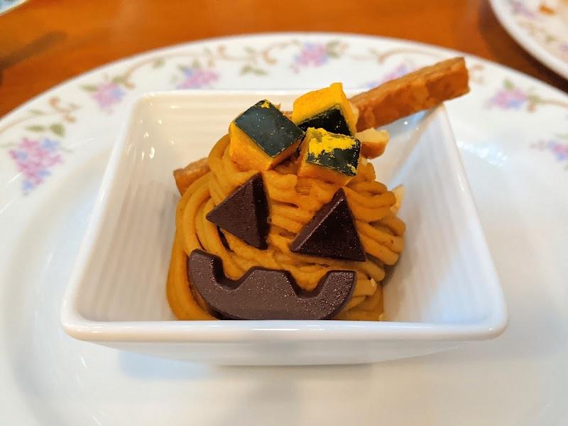ニューオータニイン札幌のハロウィンアフタヌーンティー(かぼちゃのモンブラン)
