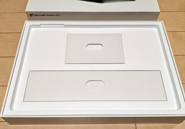 Surface Pro 7の箱の中