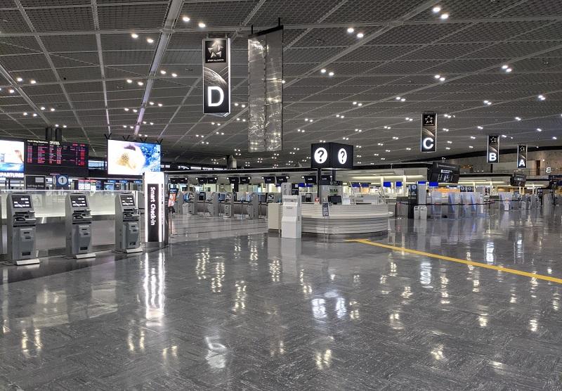 成田空港:閑散としている成田空港