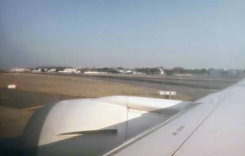 ムンバイ空港に到着