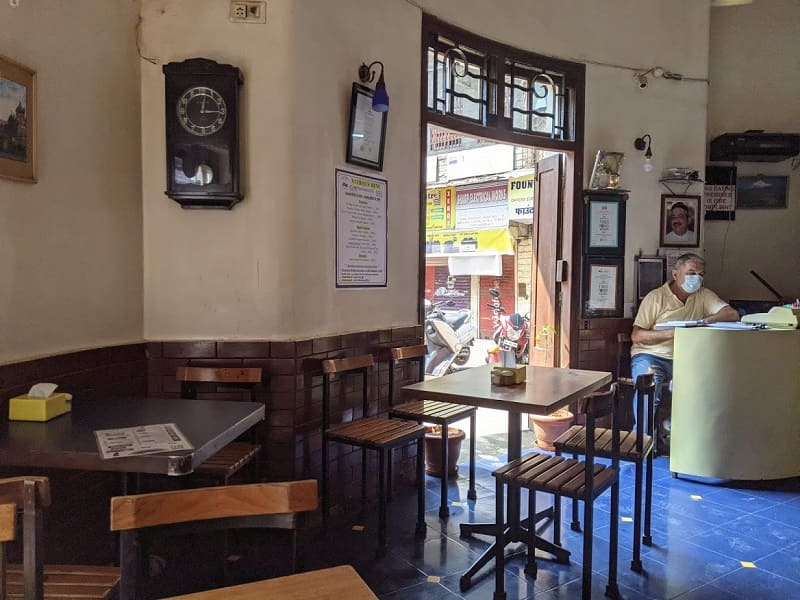 Ideal Cornerレストランの店内