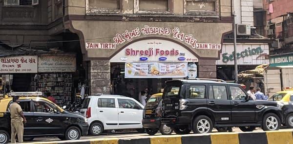 ムンバイ南部のジャイナ教徒向けの食事を提供する飲食店