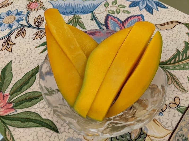 Totapuri mango (トータープリーマンゴー)
