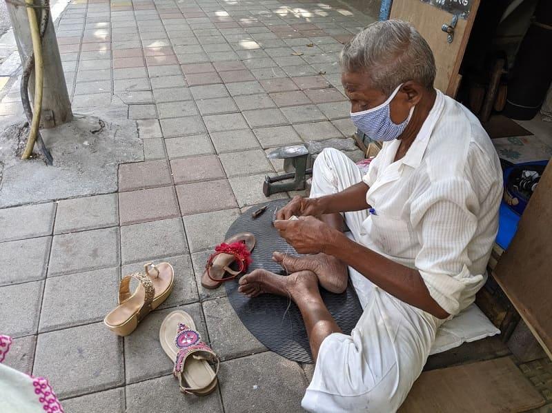 靴のローカル修理屋さん