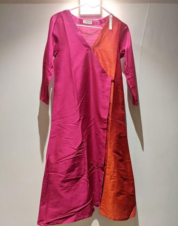 TrueBrownのドレス