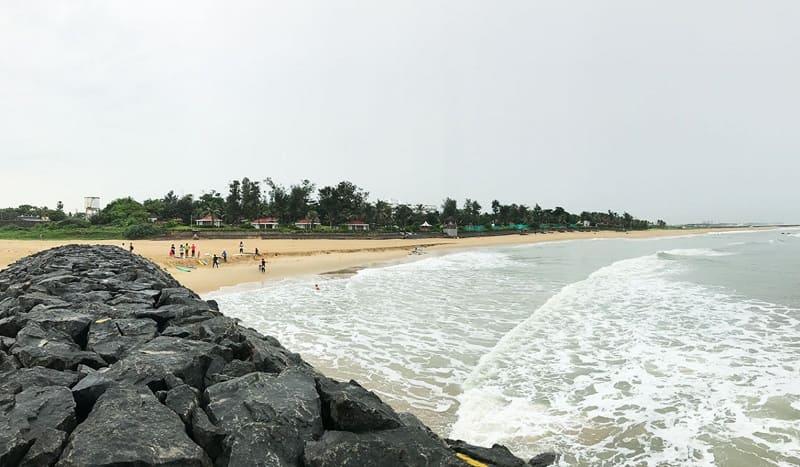 ホテル周辺のビーチ