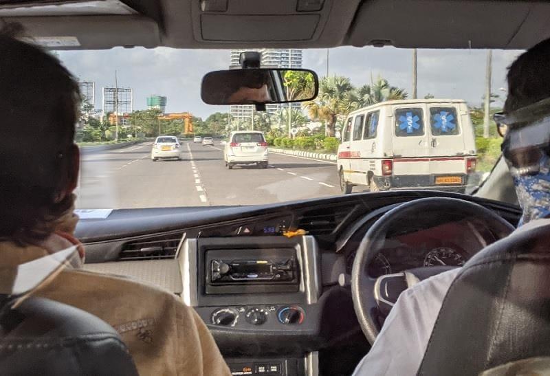 ムンバイ空港への道のり