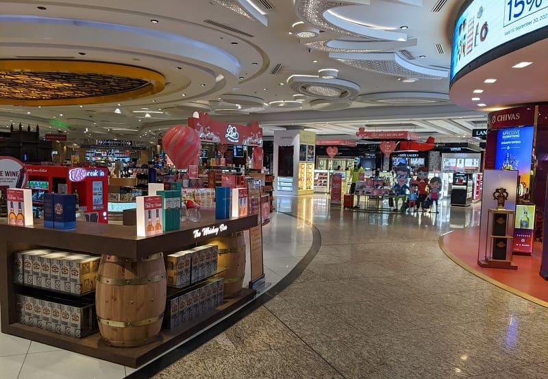 ムンバイ空港の免税店