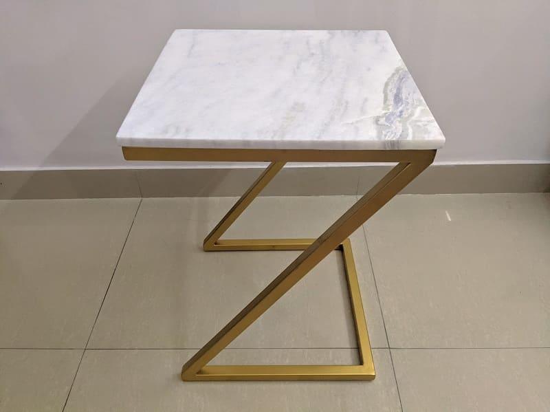 大理石のサイドテーブル