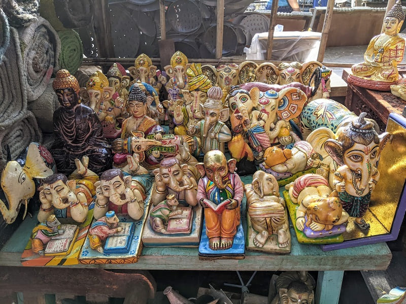 Banjara Market(ガネーシャとブッダのオブジェ)