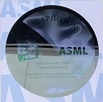 GIGAPHOTON社へASML社から贈られたウェハ―