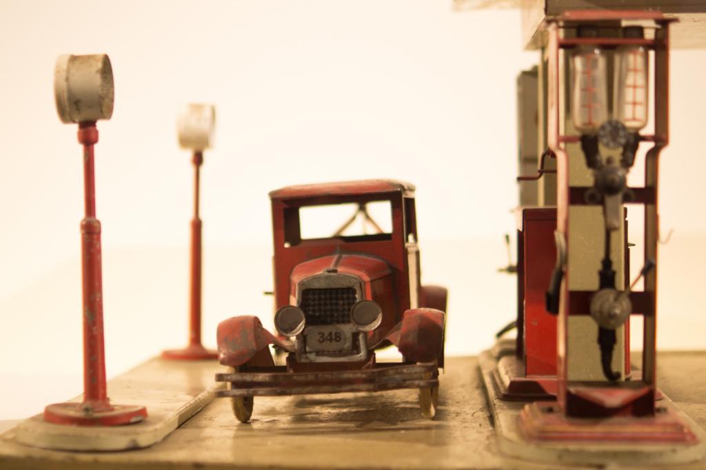 レトロな車のおもちゃ