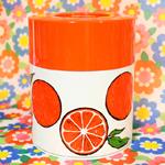 レトロポップなお茶缶又はキャニスター