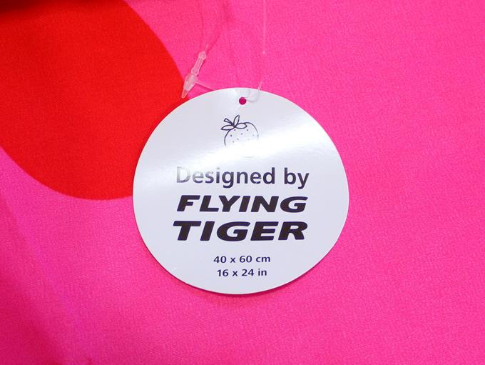 イチゴ 枕 [ Flying Tiger(フライングタイガー) ]