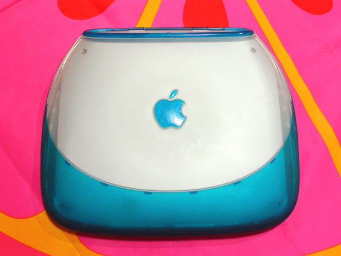 iBook G3 クラムシェル ブルーベリー