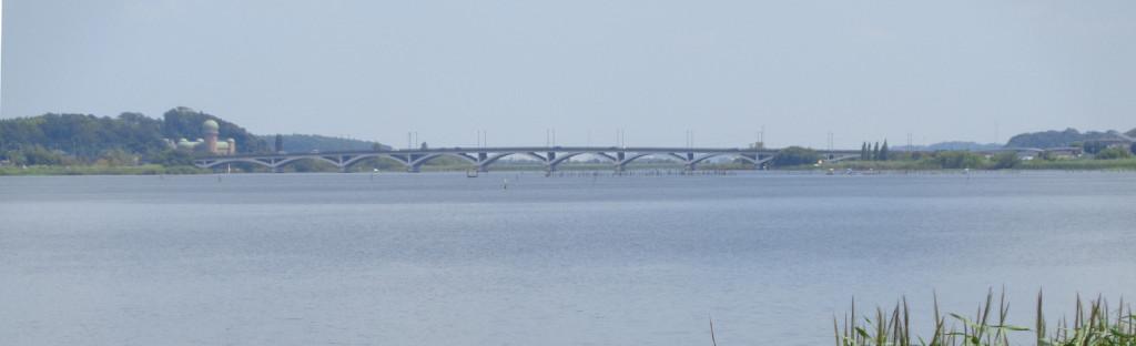 手賀沼 手賀大橋 水の塔