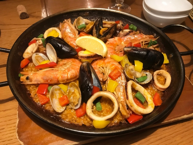 パエリアはバレンシア地方の名物料理