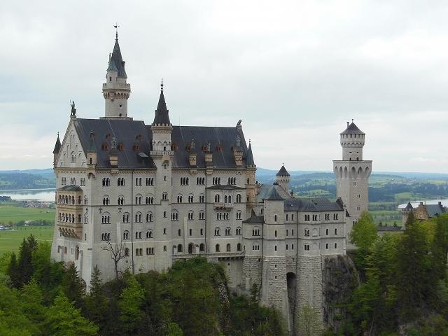 ノイシュバンシュタイン城はルートヴィヒ二世により建設された。