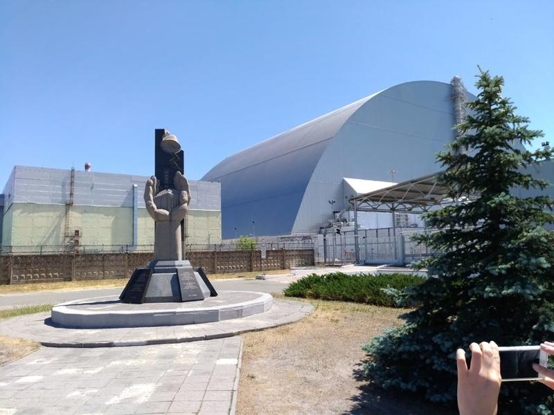 チェルノブイリ原発敷地内記念碑