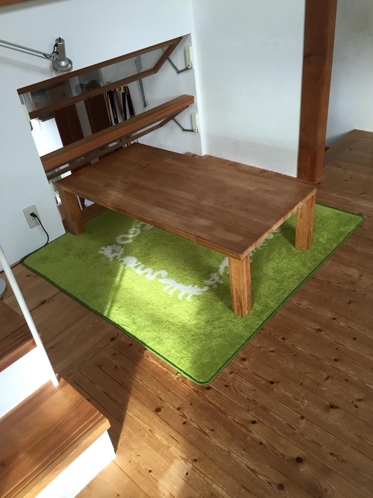 打ち合せスペースと経年変化した無垢床
