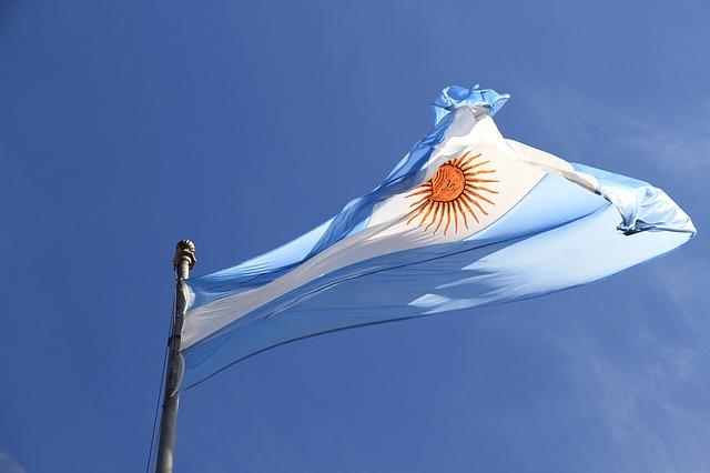 アルゼンチンペソ歴史的大暴落の原因・影響・FXの対象方法