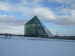 モエレ沼ガラスのピラミッド