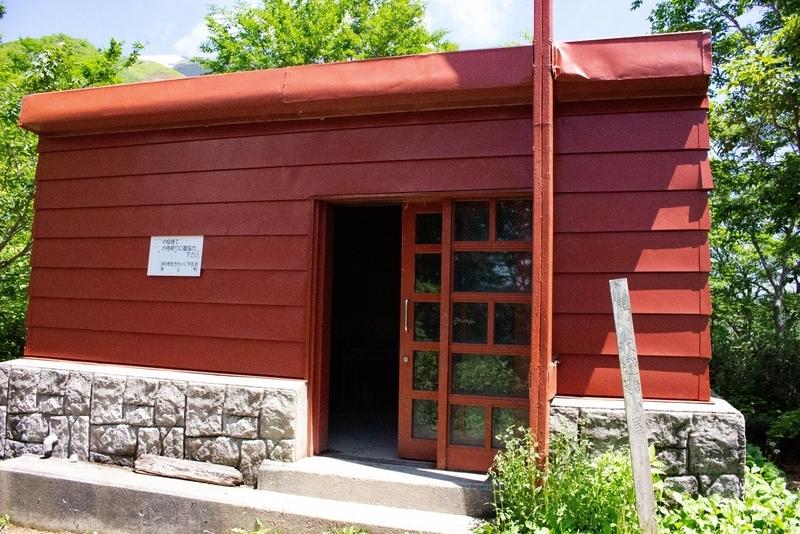 避難小屋の外観