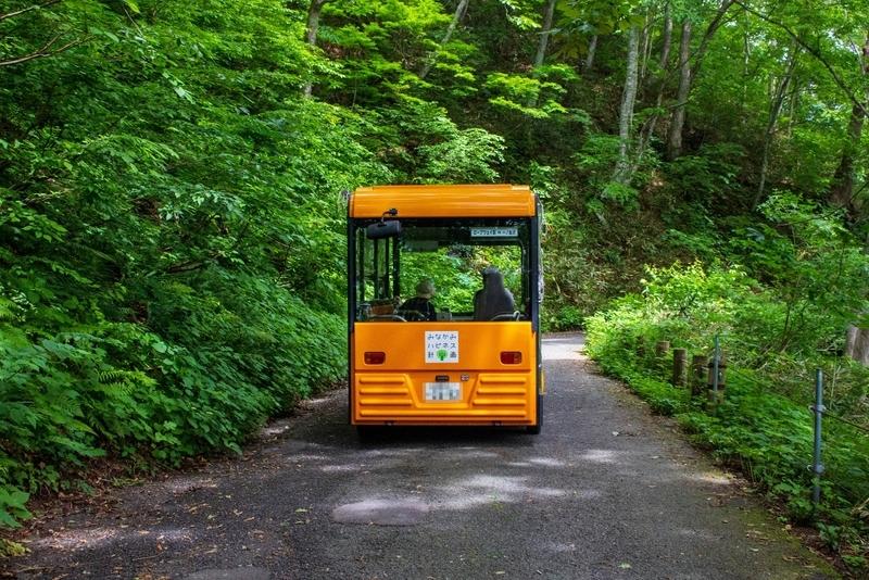 電気ガイドバス